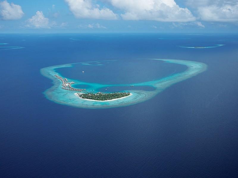 Constance-Halaveli-Maldives-Resort-01-800x600