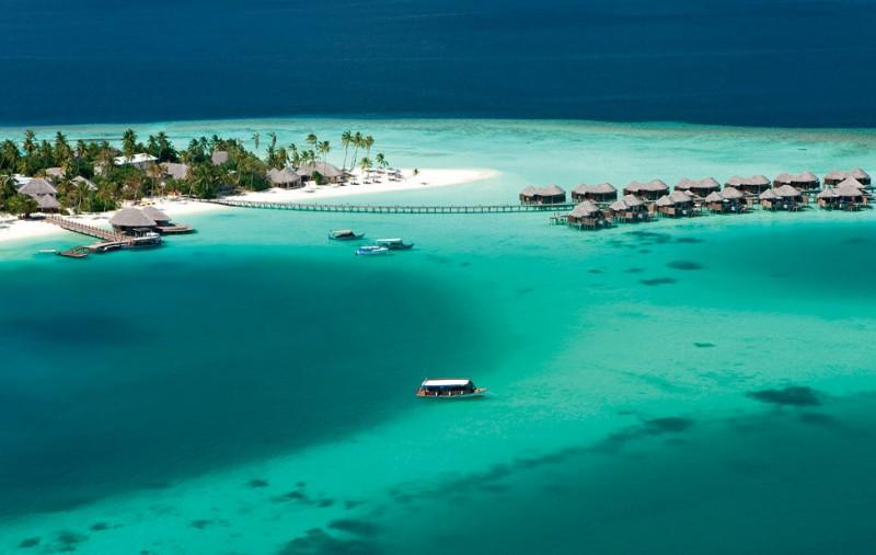 Constance-Halaveli-Maldives-Resort-03-800x507