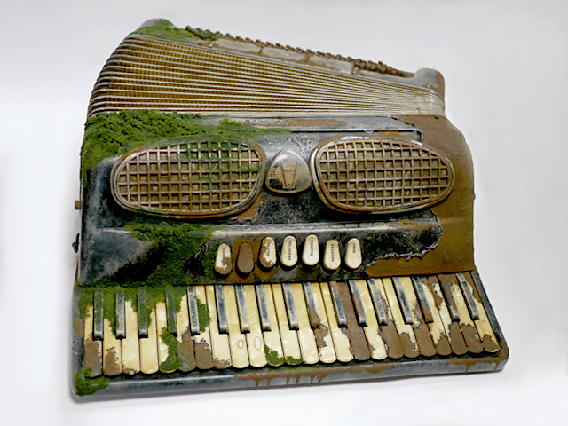 100_accordion