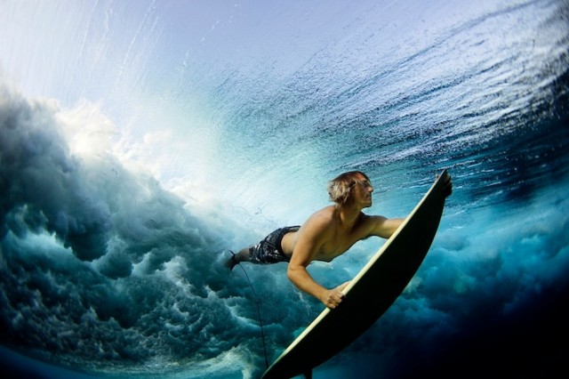 luciagriggiunderwatersurfers1