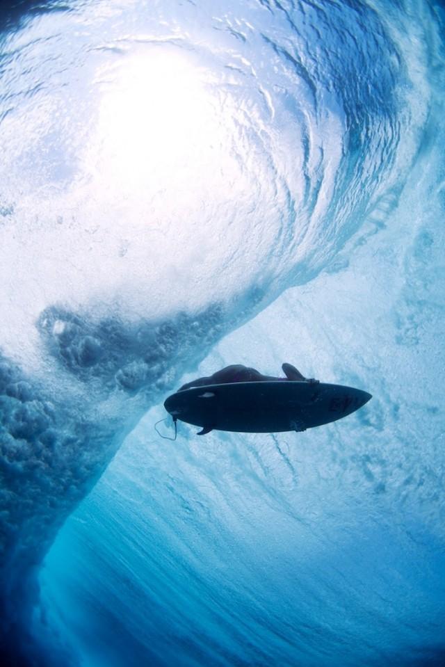 luciagriggiunderwatersurfers8