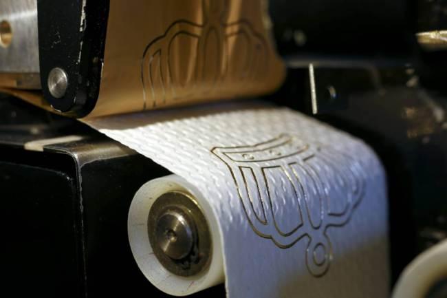 Toiletteren In Stijl Met 24 Karaats Gouden Wc Papier