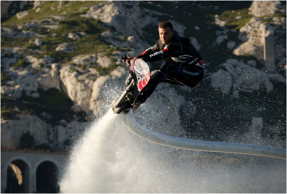 water-hoverboard-4